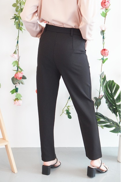 Set Things Straight Pants in Black